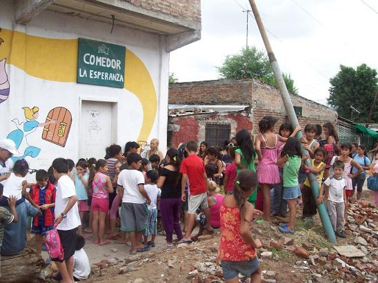 Villa celina comenz como un comedor hoy ya es un centro for Como abrir un comedor comunitario