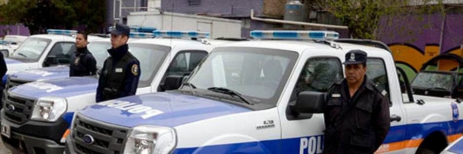 IZQ POLICIA BONAERENSE CAB