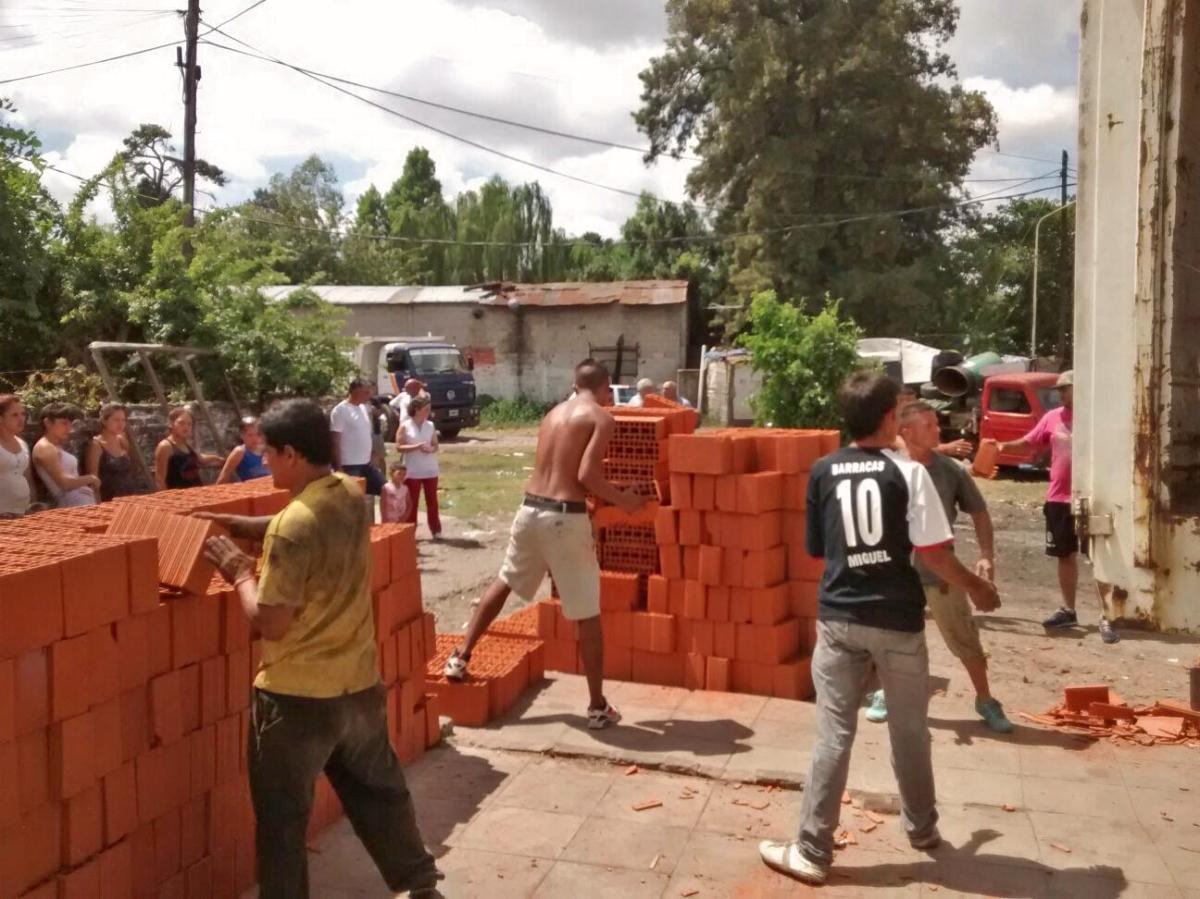 Municipio de la matanza y comunidad junto a familias for Municipalidad la matanza