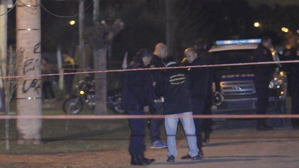 policiales-fusilado-robo-camioneta